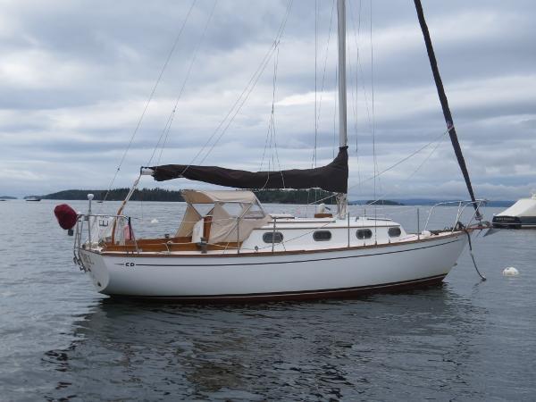 Cape Dory 28 Sloop Starboard