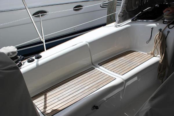 Cockpit teak seats without cushions
