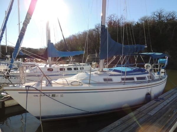 Catalina 30 Port Side