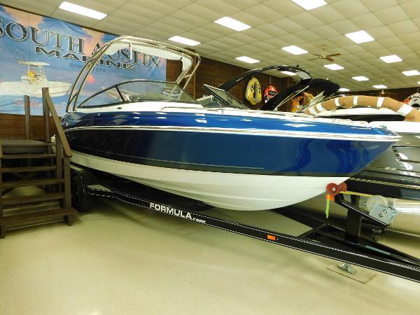 Formula 240 Bowrider