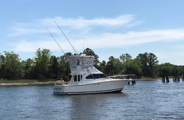 Luhrs 350 Tournament