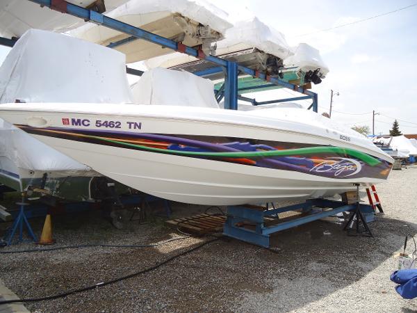 Baja 272 Boss 27' High Performance Cuddy