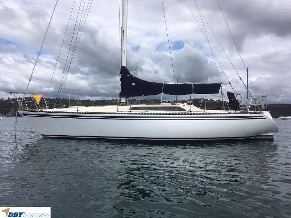 Yacht Club 35