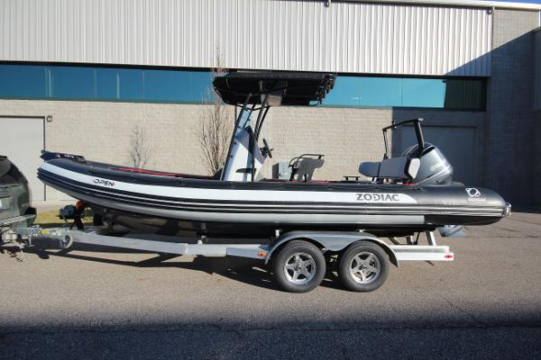 Zodiac Open 7 NEO T-Top 250hp In Stock