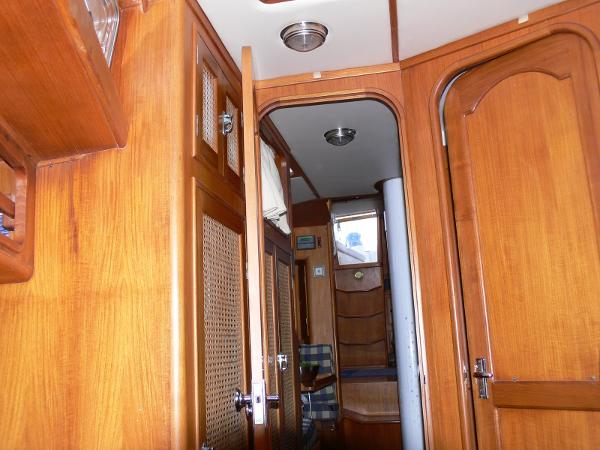 Celestial 50 - V-Berth looking Aft