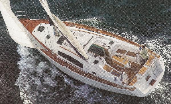 Beneteau Oceanis 40 brochure shot