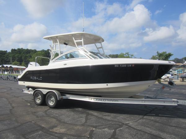 Robalo R247 Dual Console TANDEM TRAILER INCLUDED