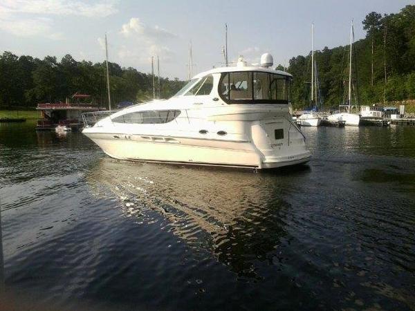 Sea Ray 40 Motor Yacht Profile