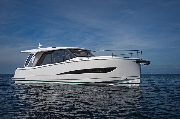 Greenline 36 NEW GREENLINE 36 with possibility of berth in south of France