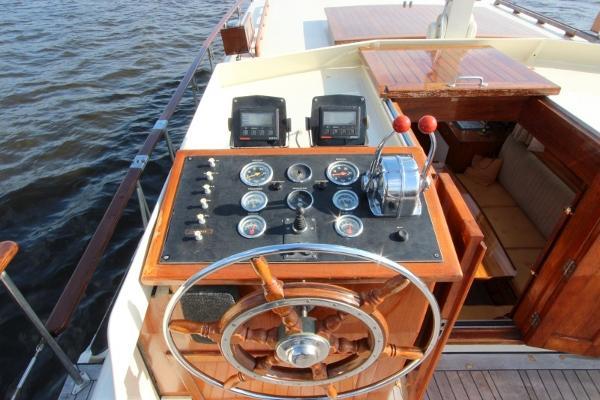Helm position on aft deck