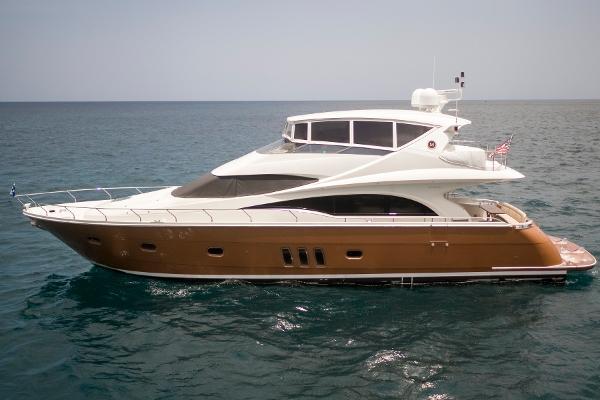 Marquis 65 Skylounge Port profile