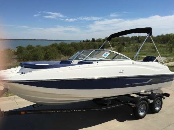 Bayliner 210 Deck