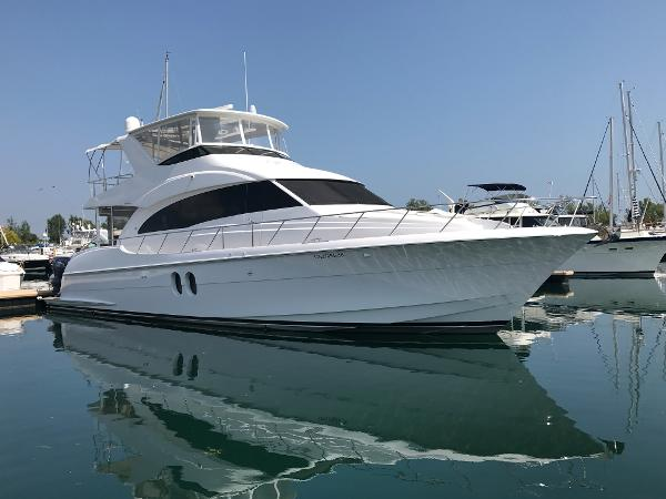 Hatteras 60 Motor Yacht Sea Pearl at dock