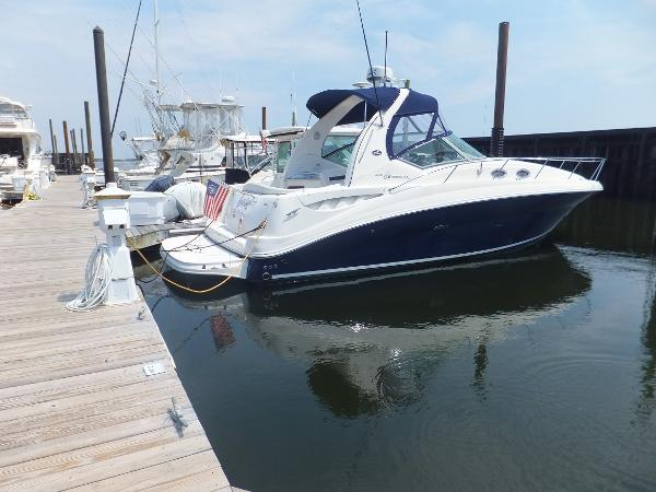 Sea Ray 320 Sundancer w 2016 Engines