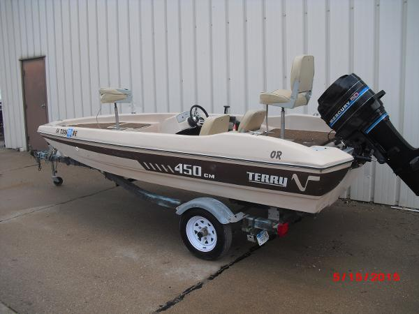 Terry 14' BASS BOAT