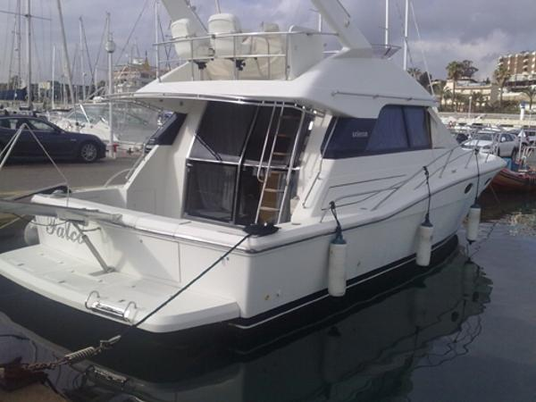 Uniesse 42 Fly Exterior