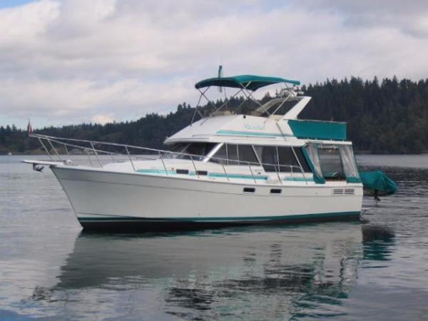 Bayliner 3288 Motoryacht Profile