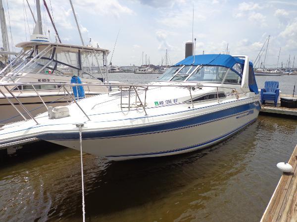 Sea Ray 290 Sundancer Port side bow