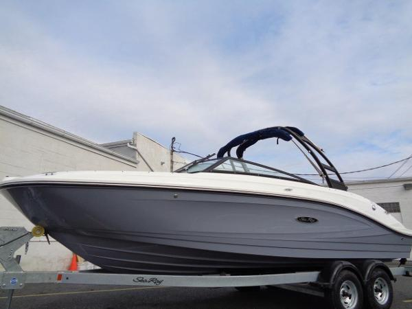 Sea Ray 230 SPX Elevation