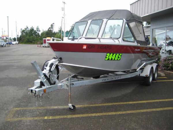 Smoker-craft Phantom 202