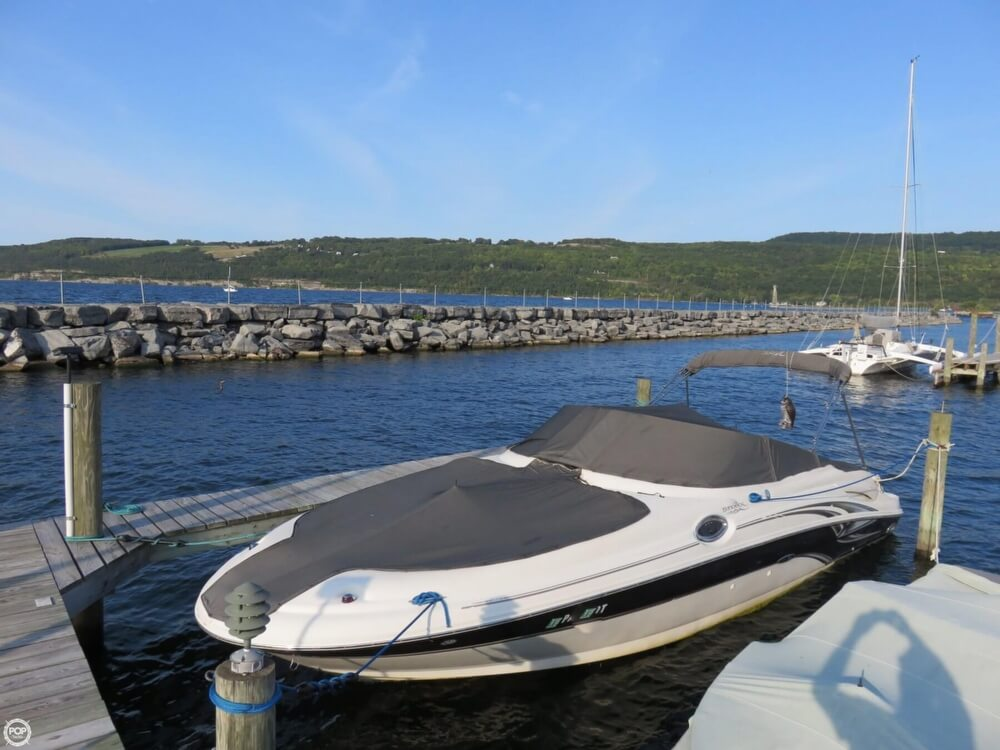Sea Ray 270 Sundeck 2004 Sea Ray 270 Sundeck for sale in Watkins Glen, NY