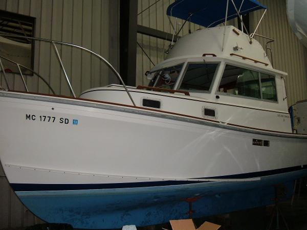 1985 Cape Dory Fly Bridge Trawler 28