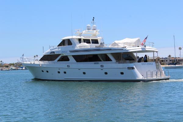 Ocean Alexander Motor Yacht