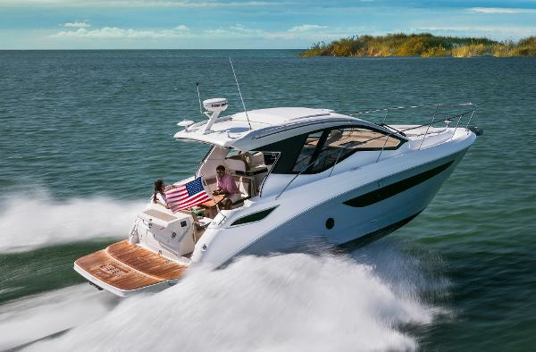 Sea Ray 350 Sundancer Coupe MANUFACTURES PHOTO