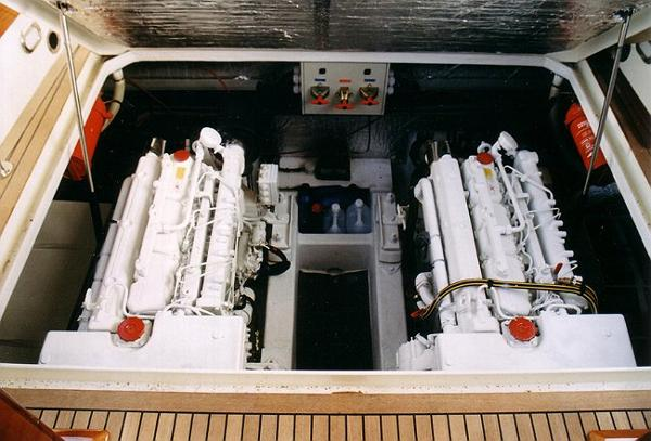 Latitude 46 Andreyale 15m Engines