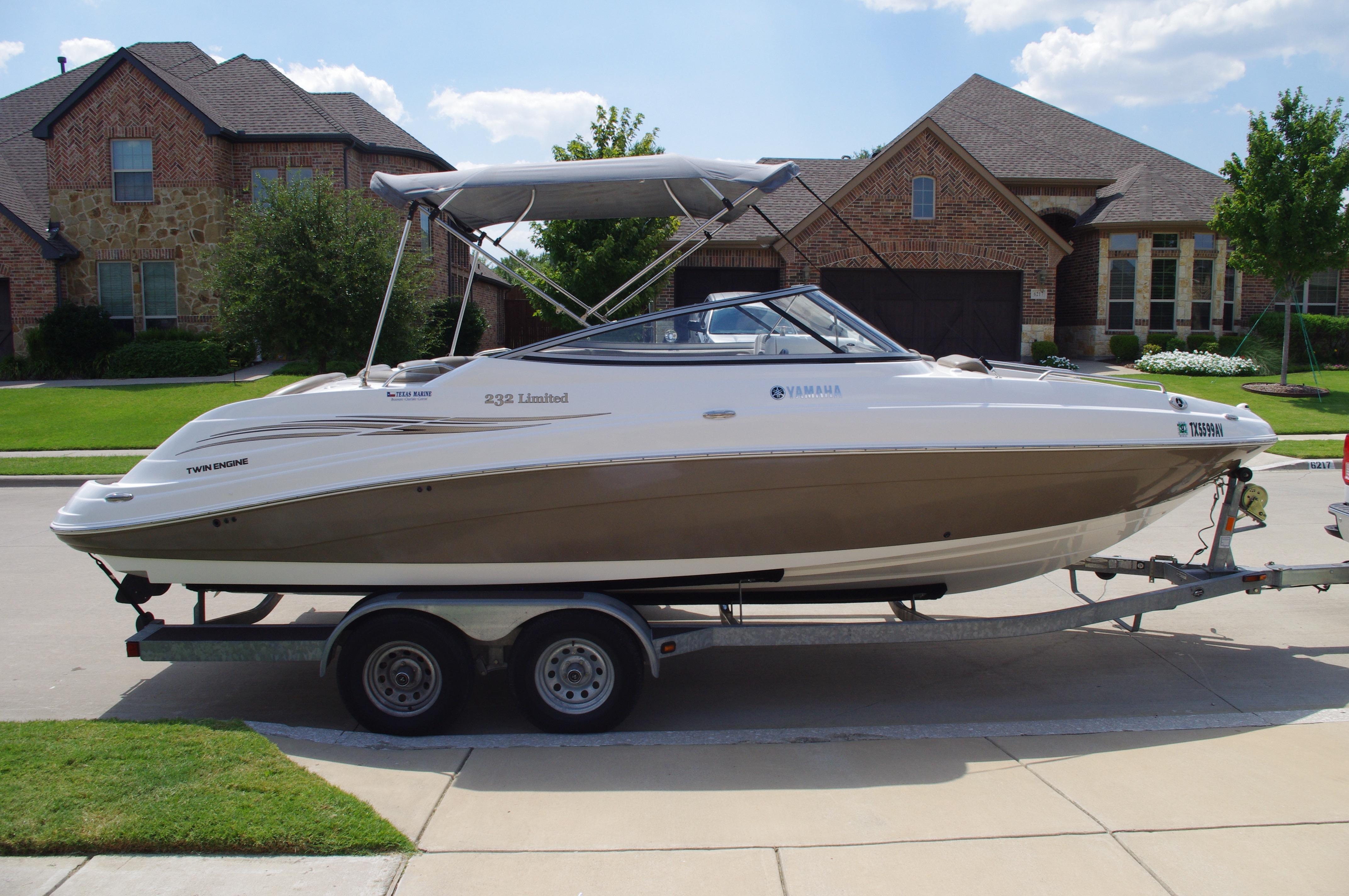 Yamaha Boats 232 Limited