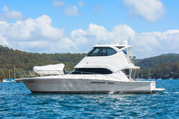 Riviera 47 Enclosed Flybridge Series II
