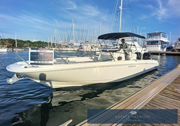 Boston Whaler 270 Dauntless BOSTON WHALER 270 DAUNTLESS