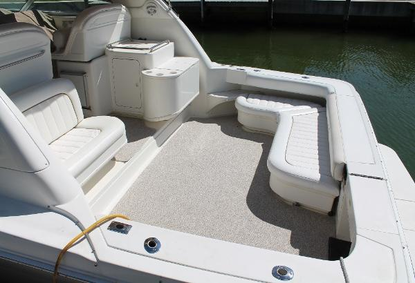 Sea Ray 330 Express Cruiser Cockpit