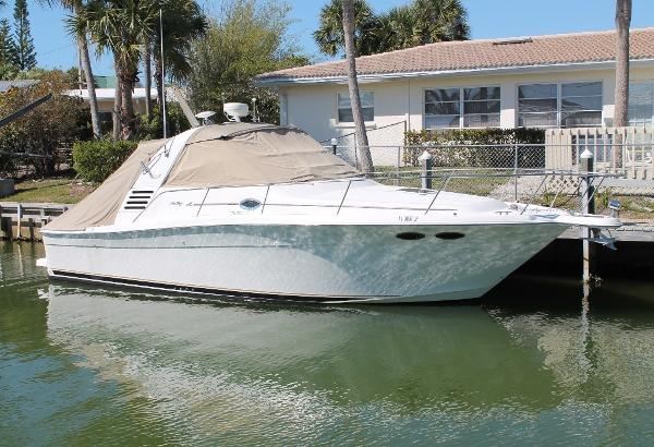 Sea Ray 330 Express Cruiser STB View