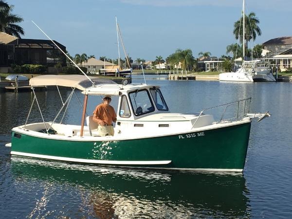 Atlas Pompano 21 On the water