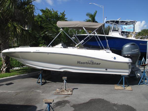 NauticStar 203 SC