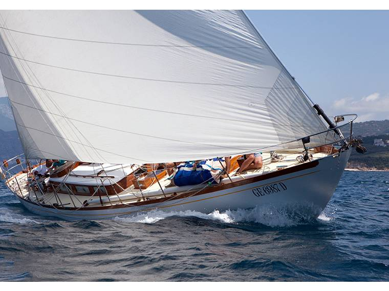 Sailboat Sloop Ananda Carlini Caicco
