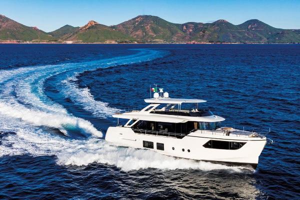 Absolute Navetta 73 Starboard Side