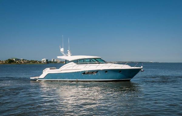 Tiara 44 Coupe Starboard Profile