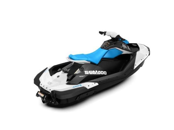 Sea-Doo Spark® 3-up Rotax® 900 H.O ACE™ IBR & CONV