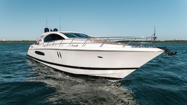 Lazzara LSX 75 IPS 600 Starboard Bow