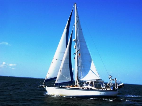 Brewer 12.8 Cutter Profile_Sailing_Port