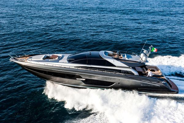 Riva 88' Domino Super Manufacturer Provided Image: Riva 88' DOMINO Super Running Shot