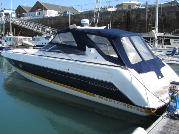 Sunseeker Tomahawk 41 Sunseeker Tomahawk 41 on her berth