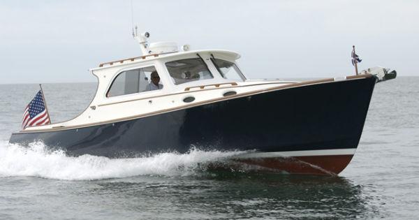 Hinckley 36 Picnic Boat EP Profile