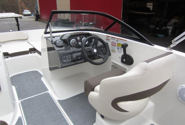 Bayliner VR5 Bowrider OB