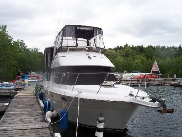 Carver 325 Aft Cockpit Motoryacht
