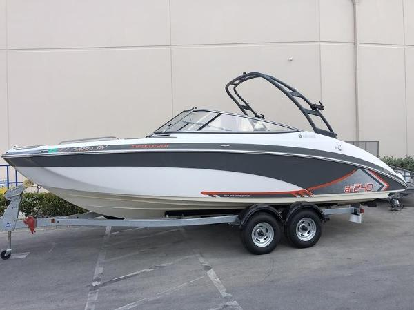 Yamaha Boats AR240 High Output