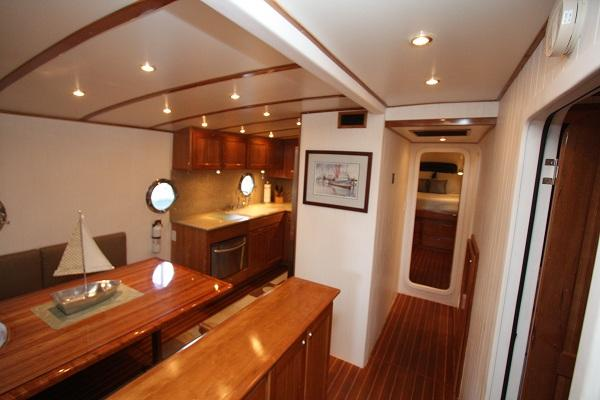 Dinette & Galley Configuration