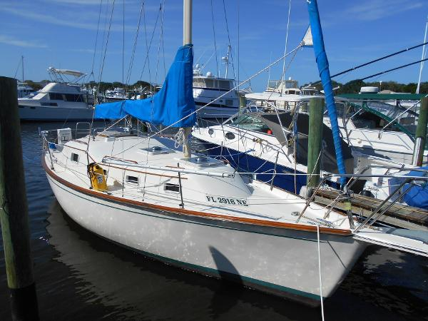 Chaparral Bombay Clipper, Volvo Repower Starboard Bow View